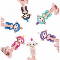 Fingerlings - Naprsna igrača Opica